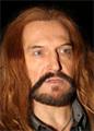 Никита Джигурда красит волосы