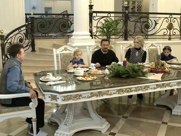 Юзеры сети поразились роскошному коттеджу Стаса Михайлова