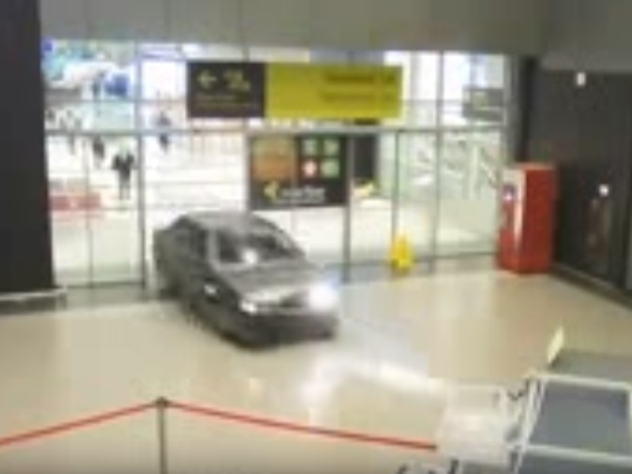 Разгромивший аэропорт казанский гонщик не нарушал УК РФ