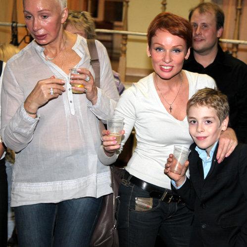 Татьяна ВАСИЛЬЕВА, Жанна ЭППЛЕ с сыном Ефимом