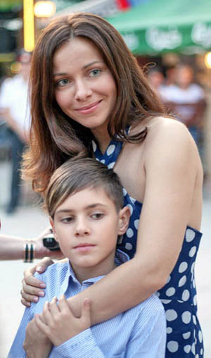 Екатерина Гусева с сыном Алексеем. Фото: ekaterinaguseva.ru
