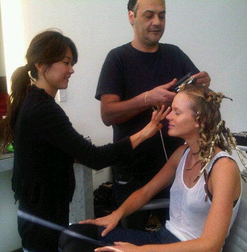 Анна Вьялицына быз макияжа...