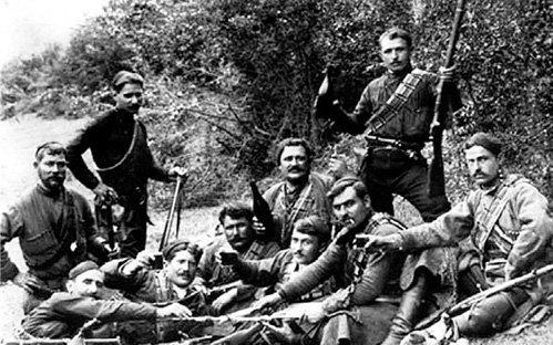Кахетинские крестьяне тоже умеют держать в руках оружие (фото конца XIX века)