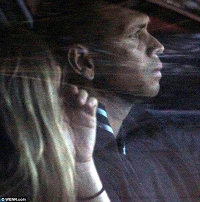 Кэмерон и Алекс уезжают из спортзала