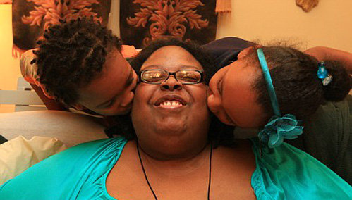 Внучки обожают свою бабушку и молятся за её здоровье