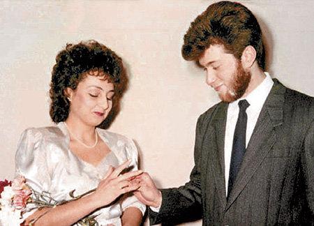 Первая жена Романа Аркадьевича Ольга ЛЫСОВА была старше его на два года