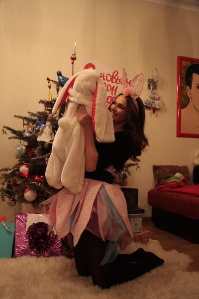 В новый год Алена нарядила сыночка в костюм кролика