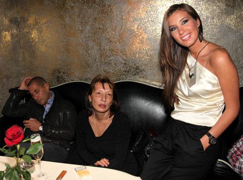 Кети ТОПУРИЯ с мамой и женихом