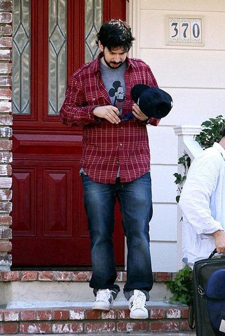 Муж Кристины АГИЛЕРЫ Джордан БРАТМАН навсегда покидает их общий дом, увозя свои вещи