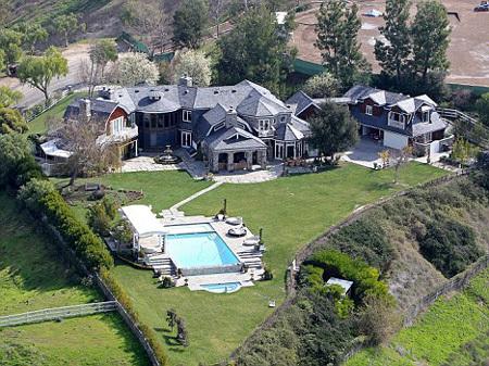 Возможно, их Лос-анджелесское поместье скоро заберут за неуплату налогов