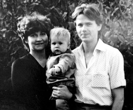 ЧИГРАКОВ с первой супругой и сыном Мишей