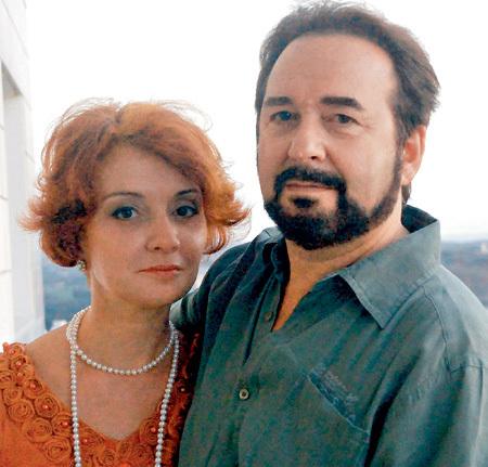Со вторым мужем - издателем Евгением ШИЛЛЕРОМ Екатерина впервые почувствовала себя любимой и счастливой