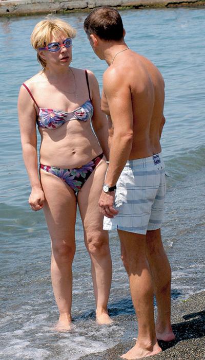 фото русские актрисы в купальниках