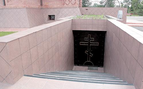 Семейный склеп расположился прямо под храмом
