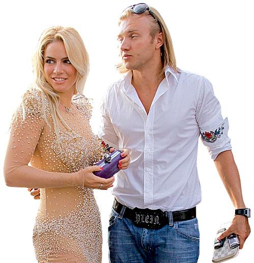 Ещё год назад Григорий КОСТЮК собирался жениться на певице РИ