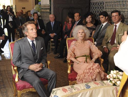 Церемони бракосочетания проходила сидя. Фото: Splash/All Over Press.