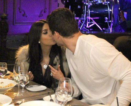 На прошлой неделе Ким отметила свой день рождения, и ее отношения с мужем выглядели более чем безоблачными. Фото: Splash/All Over Press.