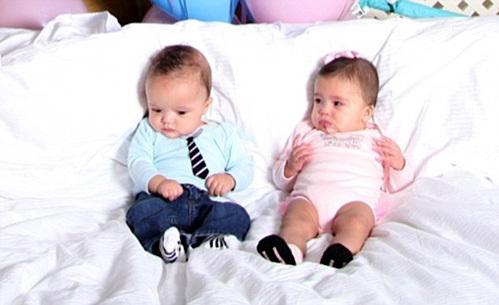 Детки с младенчества носят наряды