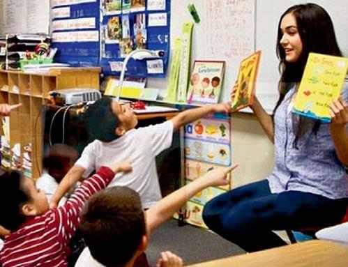Теперь свой жизненный опыт «актриса» передает детворе в американской начальной школе