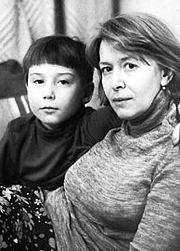Паша с мамой - актрисой Аленой АРХАНГЕЛЬСКОЙ