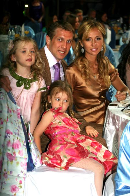 Юрий БАБЕНКО с женой и дочками