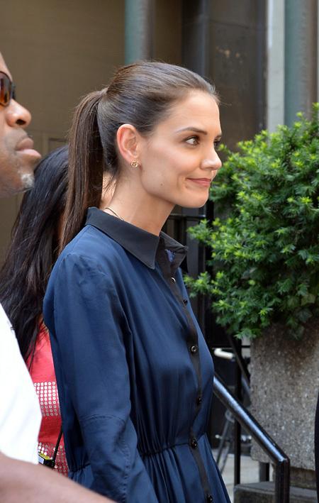 Кэти =держала лицо= и улыбалась