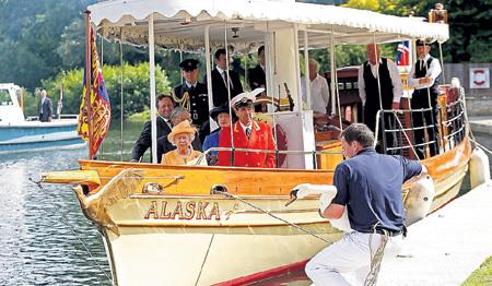 Королева ЕЛИЗАВЕТА II лично посетила церемонию лишь однажды, в 2009 г.