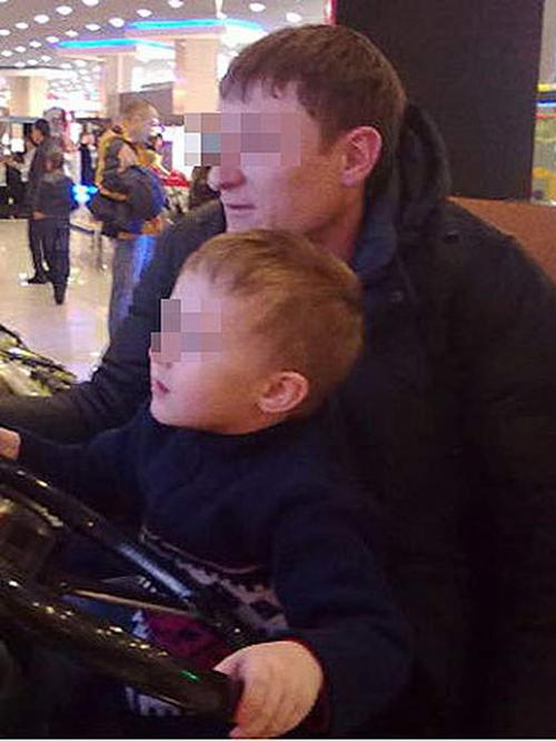 Максим Следков обожал сына, но из-за пристрастия к наркотикам подружился с криминалом. Ранее он уже был судим за кражу. Теперь 29-летнего отца будут судить за покушение на убийство малолетнего.