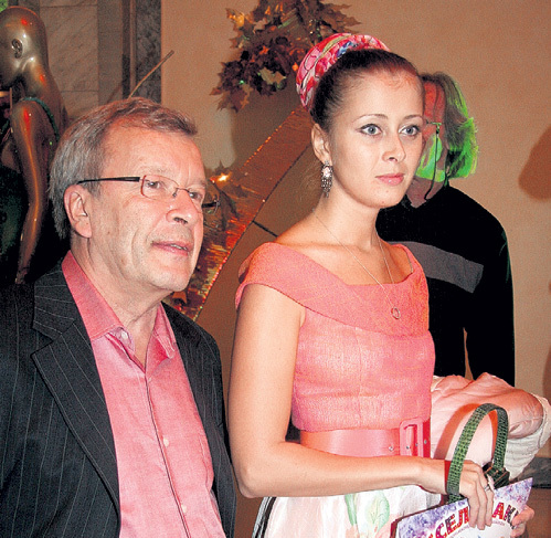 Красивый псевдоним ДЮРЕР Виктор придумал для бывшей возлюбленной сам - «потому что Женя похожа на Еву с картины этого великого немецкого художника»
