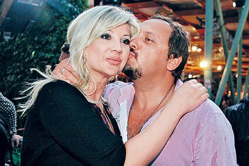 Стас МИХАЙЛОВ с женой (фото Ларисы КУДРЯВЦЕВОЙ)