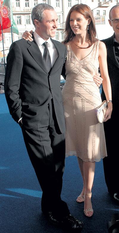 На Маше актёр женился в 2000 году, вскоре после рождения сына Гриши. Через 10 лет они развелись