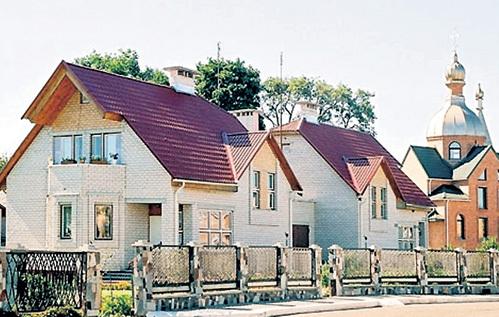 В Белоруссии работает программа «Социальное жильё», и такие дома в каждом селе строят не для чиновников, а для крестьян