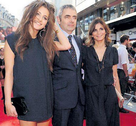 Жена Санэтра СЭСТРИ и дочь Лили не пропускают ни одну премьеру фильмов Роуэна АТКИНСОНА