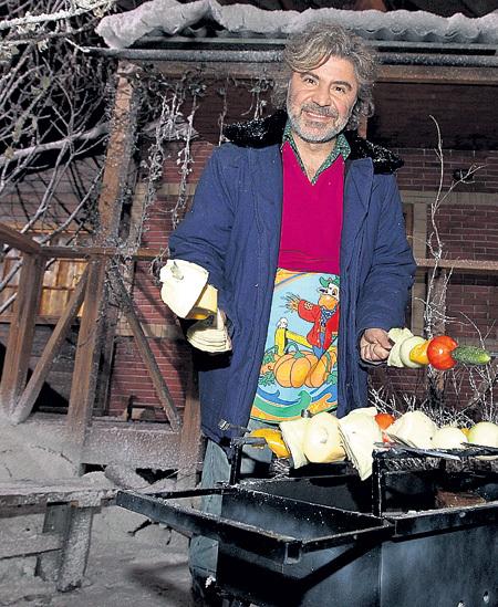 Сосо ПАВЛИАШВИЛИ даже зимой готовит на мангале - это вкуснее и полезнее