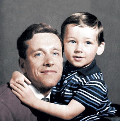 Маленький Лёша с отцом - тоже Алексеем
