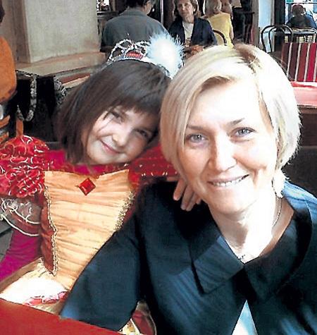 С дочкой Мари-Изабель