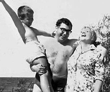 Второго мужа мамы - Марка АБЕЛЕВА - Дениска сразу принял как родного