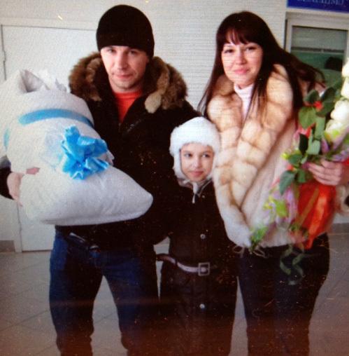 Семья ХЛЫСТОВЫХ с новорождённым Данечкой