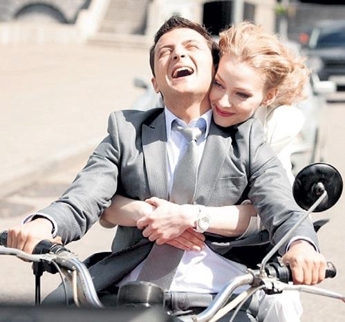 Володя с удовольствием играет любовь в паре с ХОДЧЕНКОВОЙ. Фото: ruskino.ru