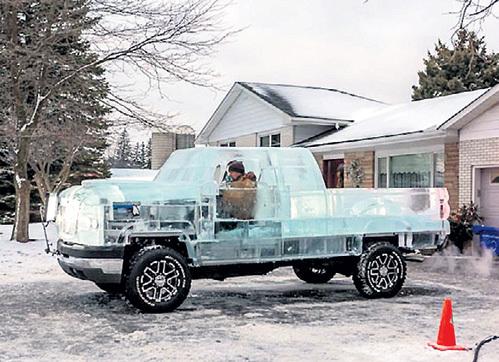 Участников эксперимента волновало состояние аккумулятора, но не водителя, который провёл в ледяной машине несколько часов