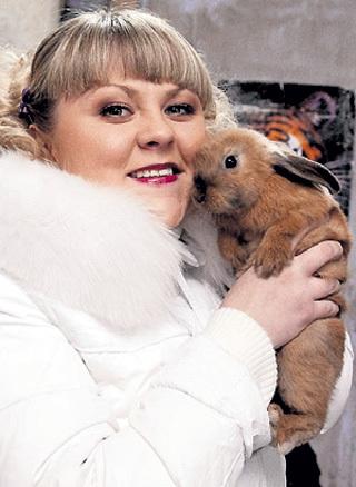 В отчем доме у Валентины МАЗУНИНОЙ живёт около 50 кроликов