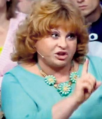 Врач Валентина ФЕДОРОВА не понимает, почему родители раньше не забили тревогу. Кадр программы «Прямой эфир»