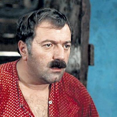 В фильме «Не горюй!» актёр сыграл рыбака Вано (1969 г.)