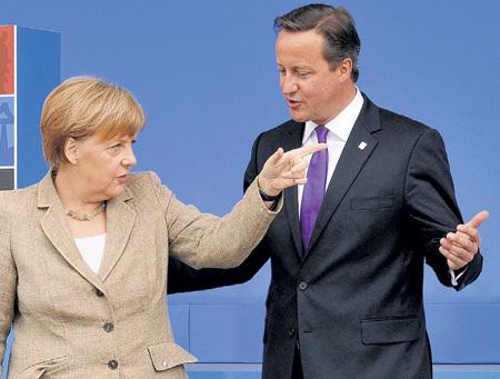 Дэвид КЭМЕРОН заявил о намерении провести референдум о выходе Великобритании из Евросоюза. На встрече с Ангелой МЕРКЕЛЬ он также предложил ограничить свободное передвижения граждан внутри ЕС и отказаться от выплат пособий мигрантам