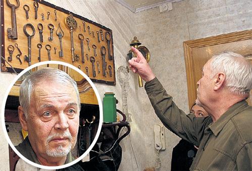 Незадолго до смерти Леонида НЕЧАЕВА корреспонденты «Экспресс газеты» любовались Золотым ключиком у него дома