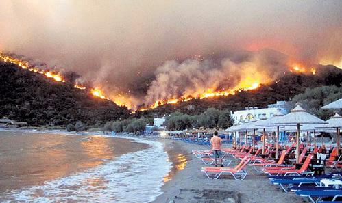 В греческих хозяйствах, где отказывались уничтожать плодовые деревья, постоянно возникают пожары. Фото: postrussia.info