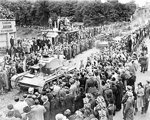 Вступление польских танков в чехословацкий Тешин (1 октября 1938 года)