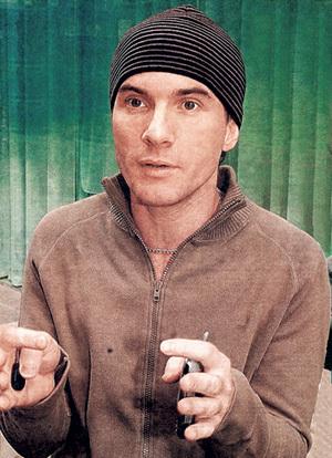 ...а экс-продюсер группы «t.A.Tu.» Иван ШАПОВАЛОВ уже три года успешно борется с тяжёлым недугом
