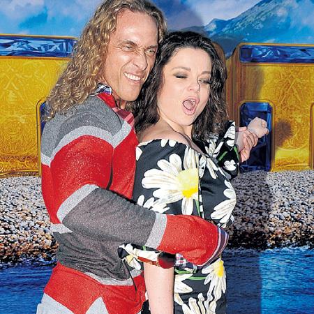 Серёжа и Наташа страстно любят друг друга