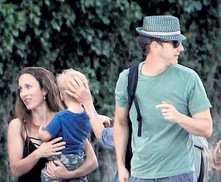В Италии Эдвард привёз жену и сына на смотрины к старому другу